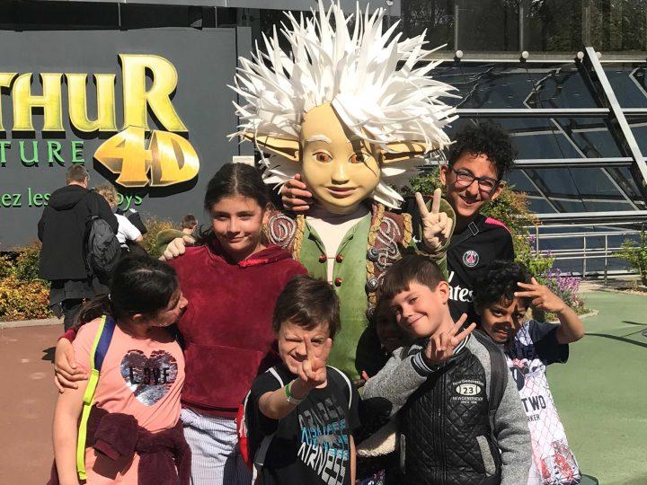 Voyage au Futuroscope pour des enfants de la Mecs de Sillans-la-Cascade
