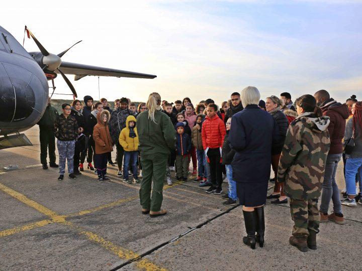 Les jeunes d'Evreux visitent la base aérienne militaire 105 «commandant Viot»
