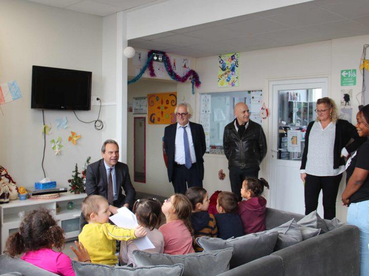 Visite de monsieur le maire à la maison d'enfants d'Evreux